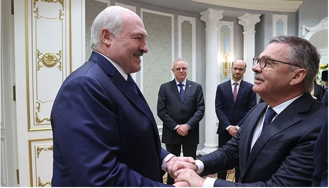 Walking on slippery ice. IIHF boss Fasel meets Belarus' Lukashenko as protests continue | LiveFEED